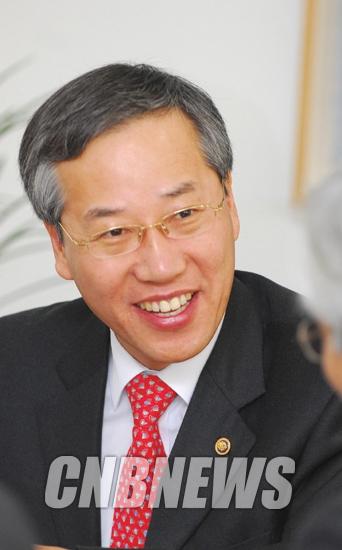 """인터뷰]반장식 """"기술과 경영이 만나야 한국의 잡스가 나오죠"""""""
