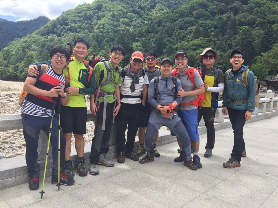 [동문활동] 김동률교수님과 4기 동문들이 함께 한  1박2일 설악산 대청봉 산행