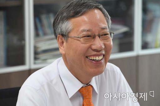 """""""조직 능력 극대화하는게 진정한 리더"""""""